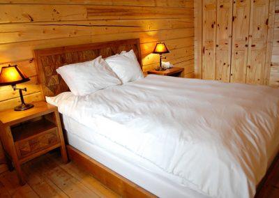 cabin-rentals-master-bedroom_0