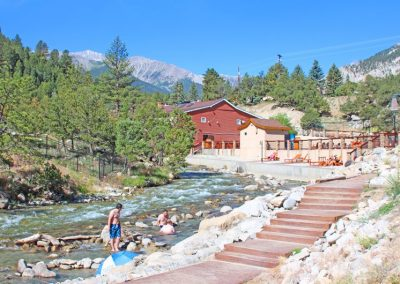 chalk-creek-hot-springs-pools