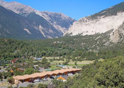 cliffside-hotel-rooms-colorado_1