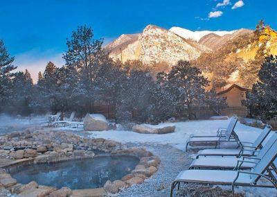 colorado-hot-springs-winter