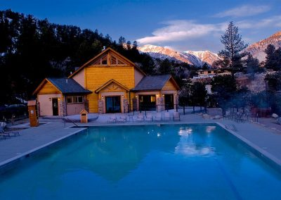hot-springs-relaxation-pool-rocky-mountains