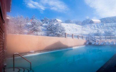 hot-springs-soaking-pool-winter
