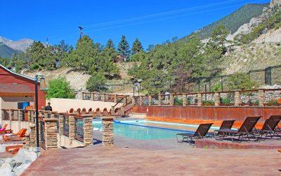 hot-springs-swimming-pool-colorado_0