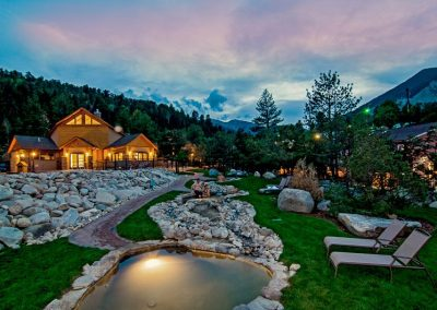 japanese-style-cascading-hot-springs-in-colorado