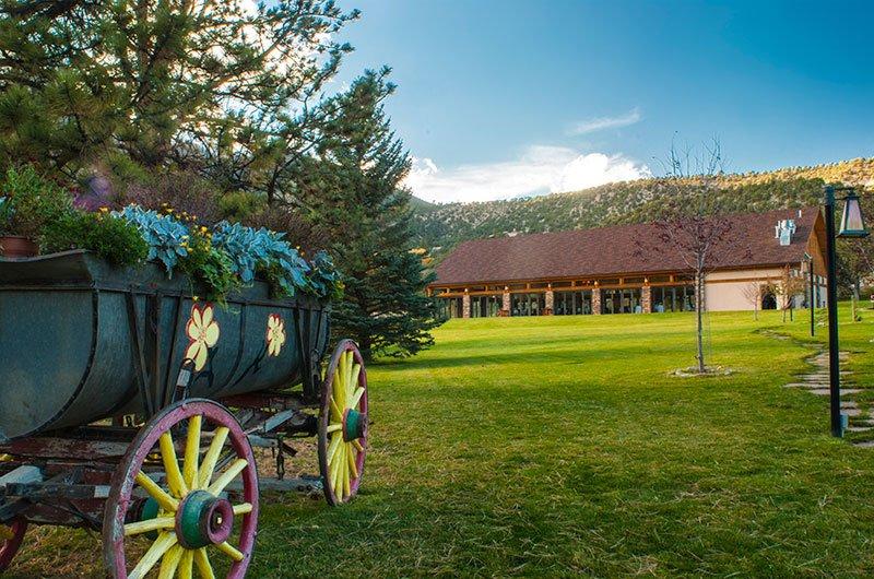 lawn-wedding-mt-princeton-hot-springs-resort