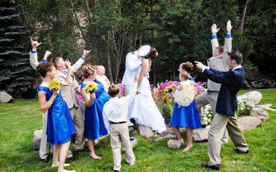meadow-wedding-kiss_0