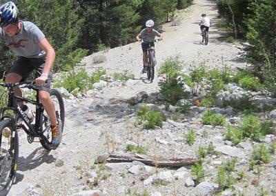 mountain-biking-alpine-tunnel