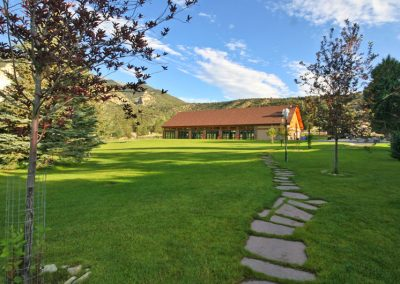 pavilion-lawn-mt-princeton-hot-springs-resort