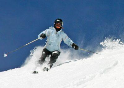 powder-skiing-colorado