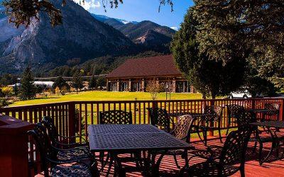 restaurant-deck-mt-princeton-hot-springs-resort_0