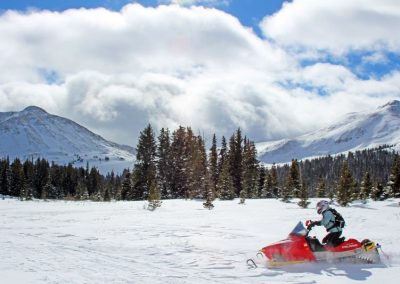 rocky-mountain-snowmobiling-colorado_1