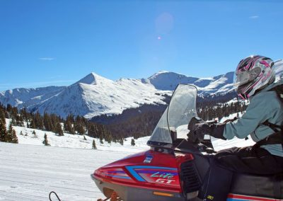 snowmobiling-colorado