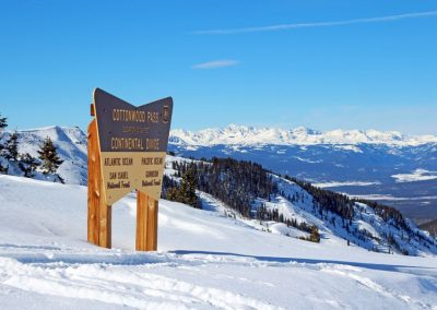 snowmobiling-cottonwood-pass-12126